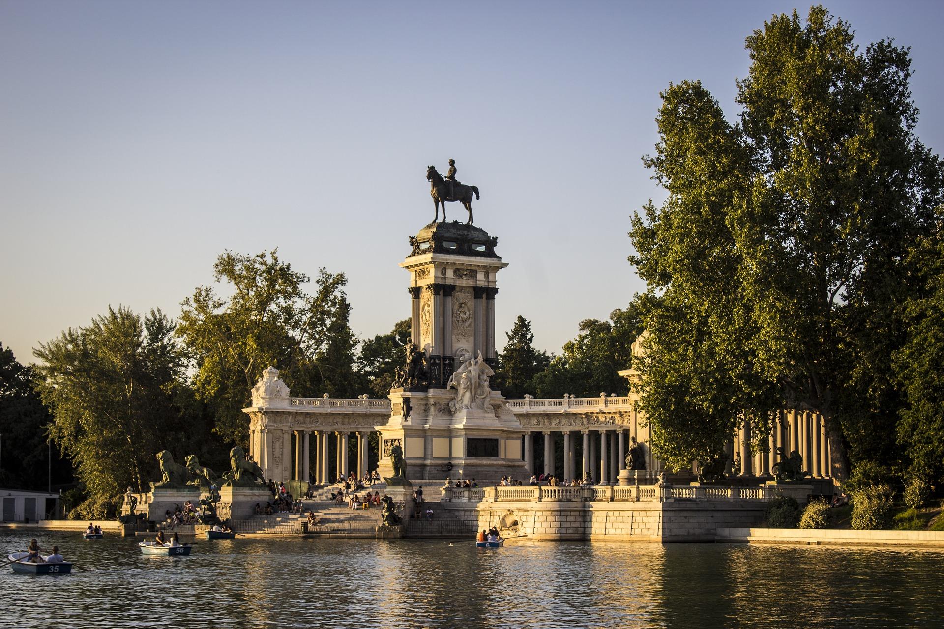parque-del-retiro-3547463_1920